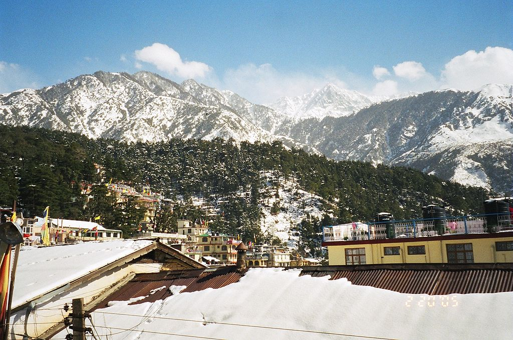 1024px-Panoramic_view_of_McLeod_Ganj_during_winters,_2005.jpg